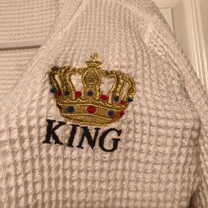 Other - Long Men's King Robe 😘